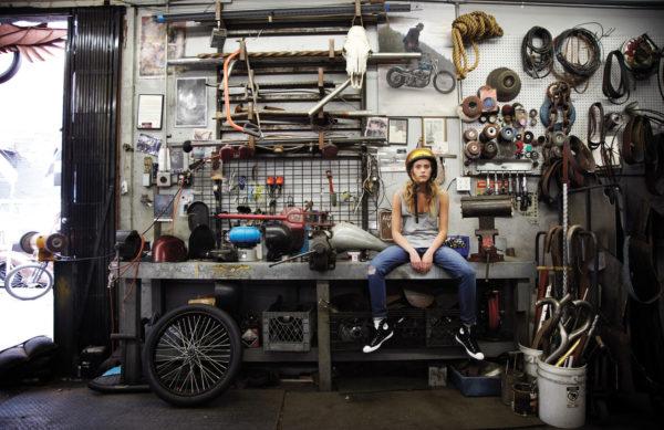 Изображение - Идеи бизнеса в гараже с минимальными вложениями Motorcycle-girls-600x389