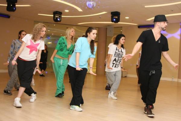 Процесс обучения танцам