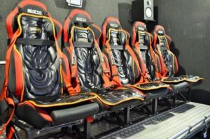 Кресло для аттракциона виртуальной реальности